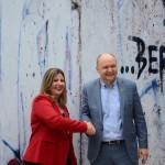 Margaret Grantham, da DZT, e Jens Gust, cônsul Adjunto do consulado da Alemanha (2)