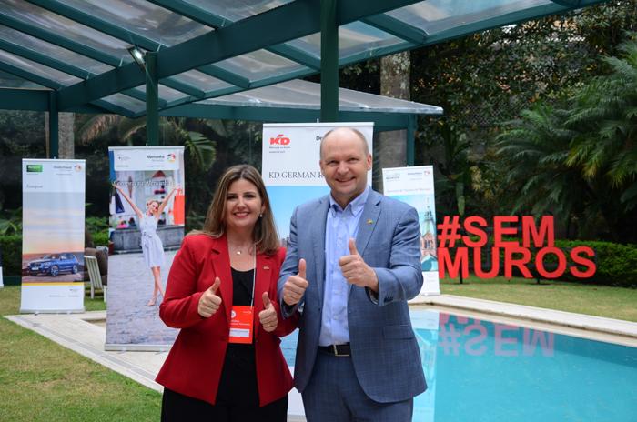 Margaret Grantham, da DZT, e Jens Gust, cônsul Adjunto do consulado da Alemanha