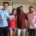 Maurinho Vasconcelos, do Hotel Ponta Verde, e o secretário de Turtismo de Marechal Deodoro, Victor Alvim Pinto, premiaram vencedores do sorteio