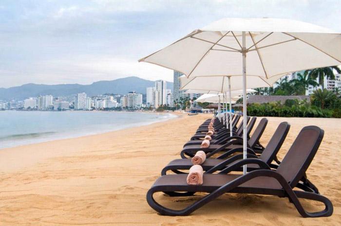 Praia do Dreams Acapulco Resorts & SPA, um dos novos hotéis da AMResorts com inauguração prevista para o final deste ano
