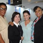 Raquel Rexach e Donna Banks, de Anguilla, Danielle Roman, da Interamerican, e Cherinah Franken, de St. Maarten