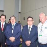 Senador Veneziano Vital do Rego, com o governador da Paraíba, João Azevêdo, Manoel Linhares, presidente da ABIH Nacional, e  Roy Taylor, presidente do M&E