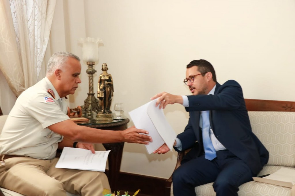 Coronel Anselmo Brandão e o secretário Fausto Franco - Foto Tatiana Azeviche