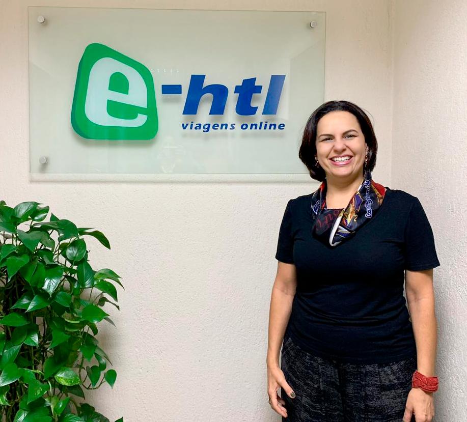 Silvia Russo, nova gerente de Inteligência de Produtos da E-HTL