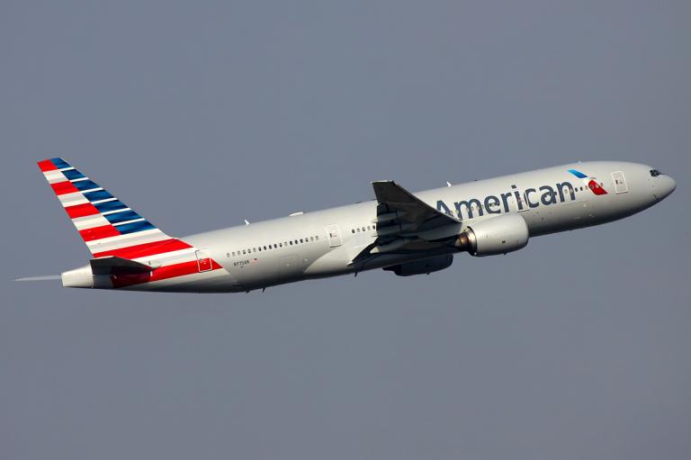 American Airlines reduz voos no mundo todo por conta do coronavírus