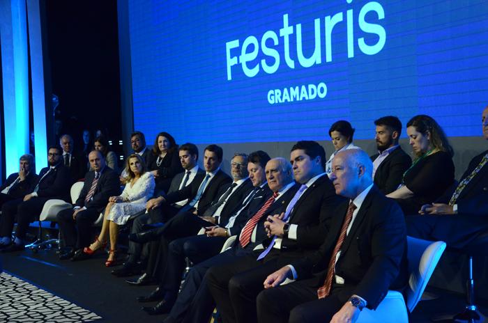 Autoridades na cerimônia de abertura do Festuris 2019
