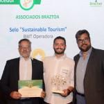 Bob Santos, do MTur, abriel Cordeiro, da BWT Operadora, e Roberto Nedelciu, presidente da Braztoa