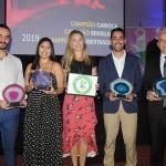 Bruno Kozlowski, do Fairmont, Isabela Campos,  Mariana Pedrosa e Alex Salles, do Grand Hyatt, e José Geraldo, do Windsor, com os prêmios da noite