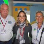Caissa Moura, da Secretaria de Turismo de Salvador, com Roy Taylor e Rosa Masgrau, do M&E