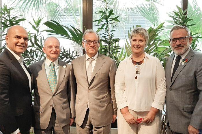 Nelson de Oliveira, da Alitalia; Ferdinando Fiore, do ICE; Filippo La Rosa, cônsul-geral da Itália; Fernanda Longobardo, da Enit; e Clovis Casemiro, da IGLTA