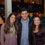Elaine Accacio e Bruna Neves, do Iberostar, com Dante Campos, da Braztoa
