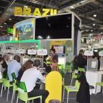 Estande do Brasil é palco de diversas reuniões neste segundo dia de WTM Londres