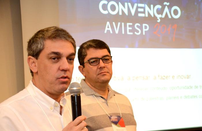 Fernando Santos, presidente da Abav-SP, e Marcos Lucas, presidente da Aviesp