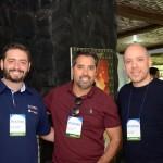 Gabriel Cordeiro, da BWT Operadora, Eduardo Batista, da Nemo Group, e Julio Texeira, da Latam Travel