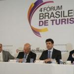 Realizado em novembro, o 4º Fórum Brasileiro de Turismo reuniu lideranças do setor