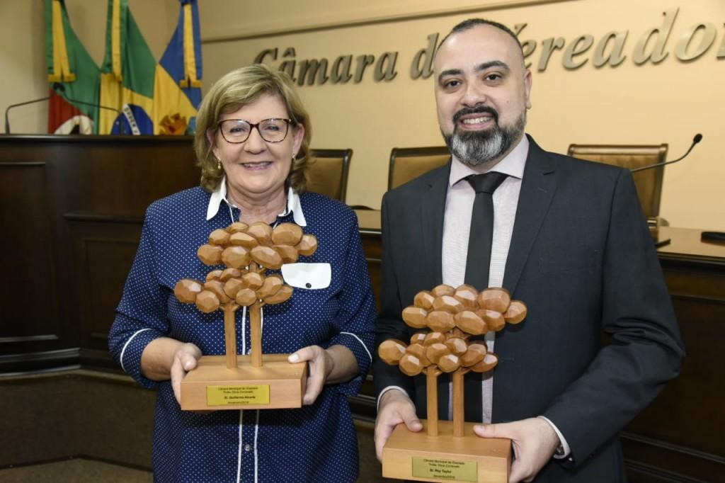 Heloísa Prass recebeu o troféu em nome de Guillermo Alcorta, e Anderson Masetto representou Roy Taylor