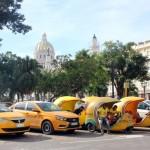 Para se locomover em Cuba, é possível utilizar os taxis normais, os taxis cocos ou os carros antigos