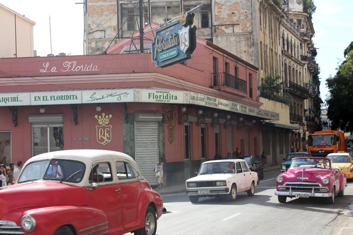 O bar La Floridita é um dos mais tradicionais e conhecidos de Havana. Especializado em Daiquiris, era o bar favorito do escritor Ernest Hemingway