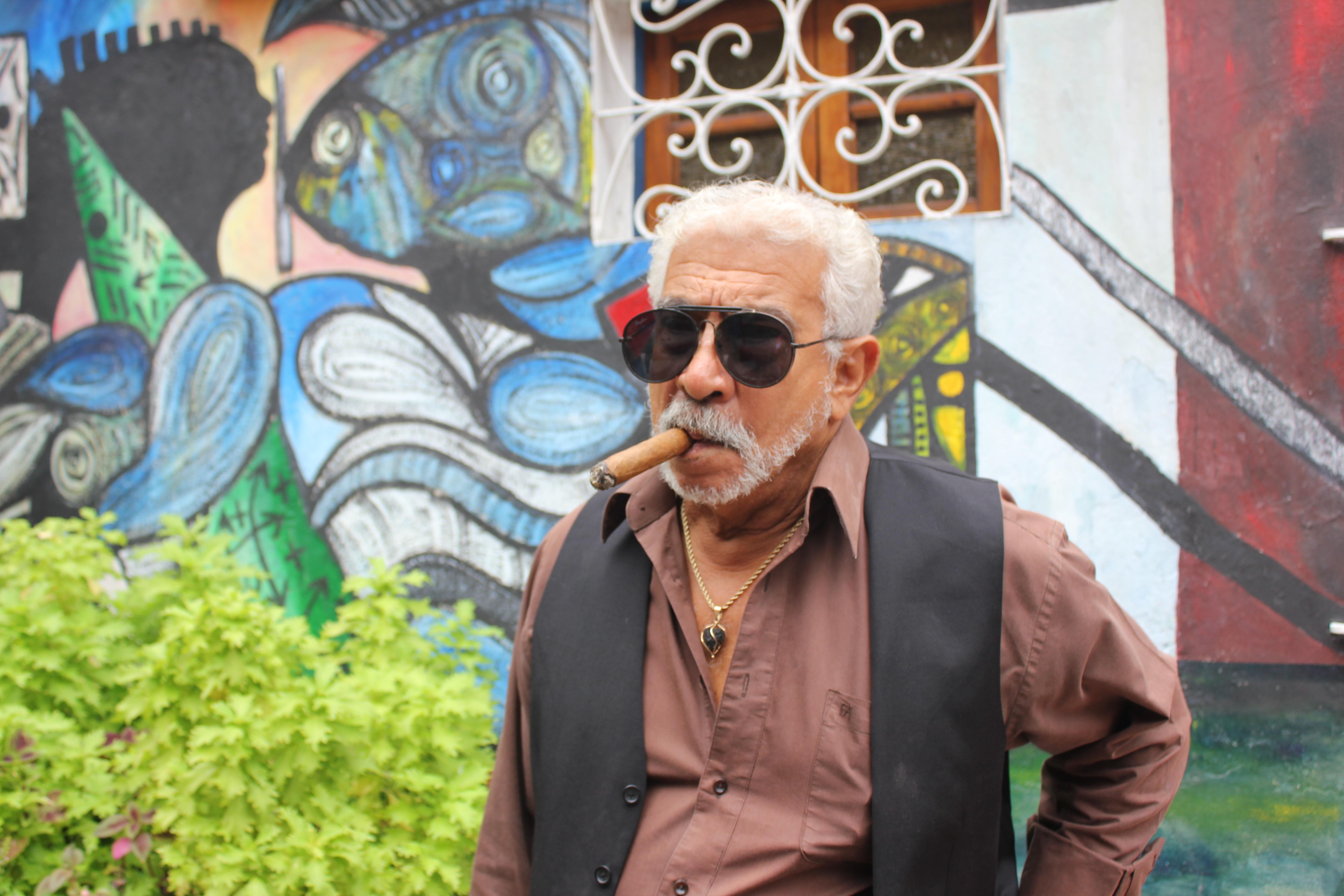Salvador Gonzáles Escalona, pintor e muralista cubano criador do projeto Callejon de Hamel