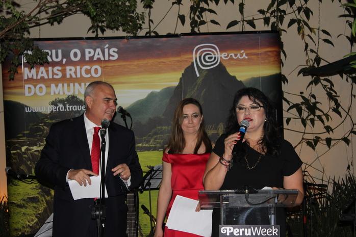 Javier Yepez, embaixador do Peru no Brasil; Fanny Thivierge, especialista em mercado Brasil da área de Turismo Receptivo; e Milagros Ochoa, diretora de Turismo do Escritório Comercial no Brasil