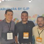 Juan Andrade, Bruno Malafaia e Gentil Cysneiros, da GJP, representando o Hotel Marupiara