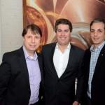 Klaus Kühnast, da BeckUp Soluções em Seguros, Juarez Cintra Neto, presidente da Air Tkt, e Jefferson Simôes, da IATA