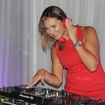 Lia Coutinho agitou a pista como DJ