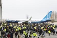 Boeing apresenta seu primeiro B737 MAX 10