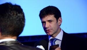Coronavírus: cinco mil brasileiros ainda aguardam repatriação, diz ministro do Turismo