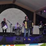 Noite encerrou com um show de forró do cantor Cezzinha