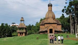 Paraná recebe cerca de um milhão de turistas internacionais por ano, diz MTur