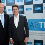 Ralf Aasmann, diretor executivo da Air Tkt, e Juarez Cintra Neto, presidente da Air Tkt