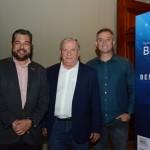 Roberto Nedelciu, presidente da Braztoa, Constantino Orsolin, prefeito de Canela, e Ângelo Sanches, secretario de Turismo de Canela