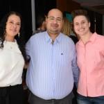 Robson Camargo, do Grupo Ancoradouro, entre Ivana Silva e Paula Braga, da Amadeus