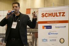 Schultz projeta faturamento de R$ 12 milhões por mês em 2020