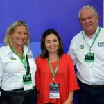 Rosa Masgrau e Roy Taylor, do M&E, com Flavia Didomenico, presidente da Santur