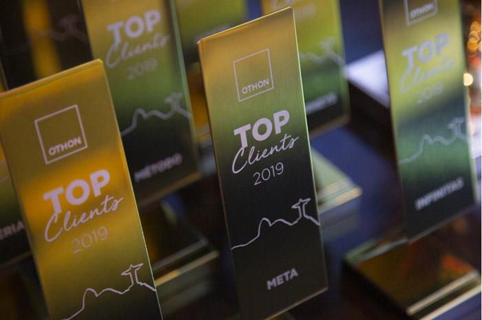 Trofeu Top Clients, entregue pela Hotéis Othon na convenção anual da rede