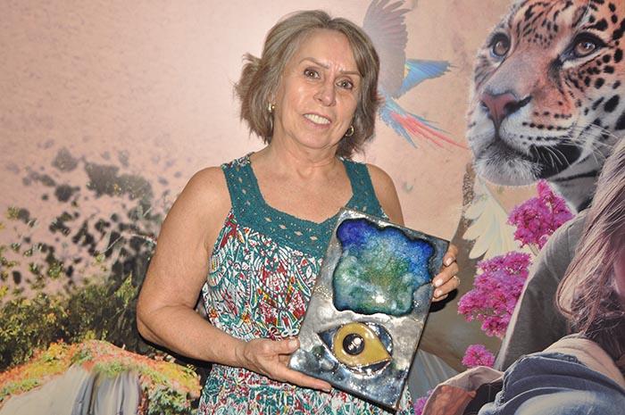 Valdeci Thomé recebeu em nome da filha, Polliana Thomé, o prêmio na categoria Academia