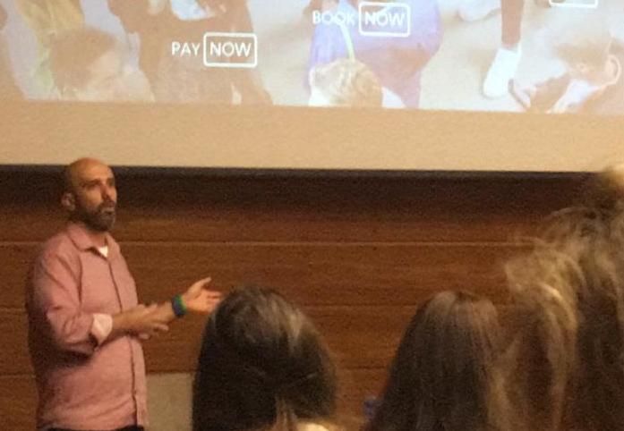 Roberto Trindade do Facebook realizou uma palestra sobre Zero Friction Future durante Braztoa Desvenda, realizado no Unibes Cultural em São Paulo