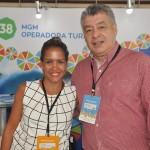 Yana Barral, da MGM Operadora, com Osvaldo Moriningo, da Giromundo do Paraguai