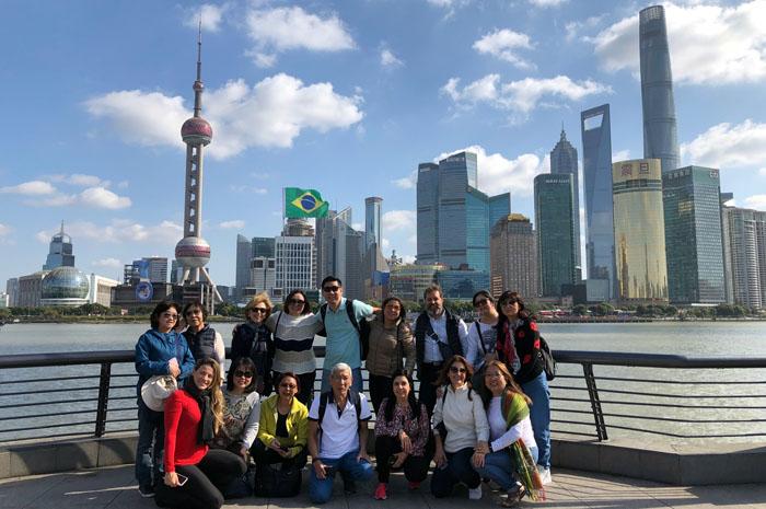 American Airlines, em parceria com a Investur, levou 16 agências de viagem brasileiras para conhecer a China