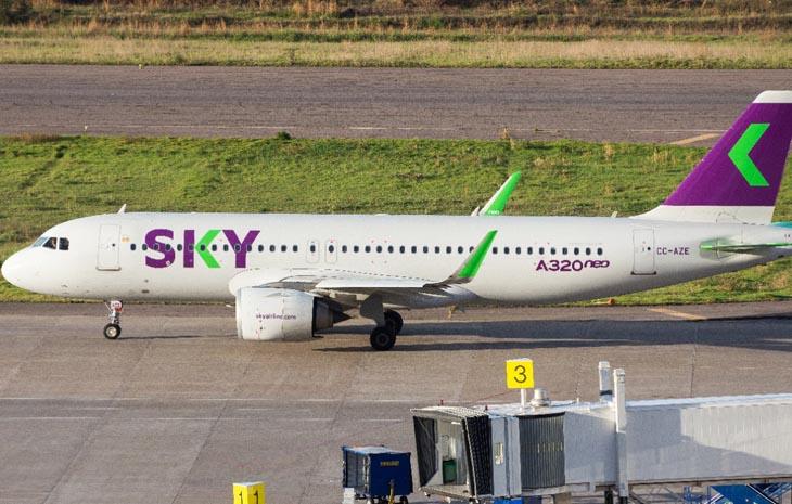 A320Neo da Sky pousa em Salvador pela primeira vez