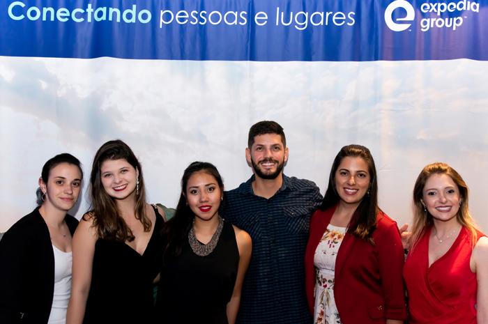 Carina Veita, Nathalia Garcia, Camila Nagamine, Bernardo Bachur, Fernanda Ribeiro e Nathalia Auletta, do Expedia Group