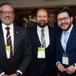 Bob Santos, do Mtur; Guilherme Paulus; e Gilson Lira, secretário de Turismo da Paraíba