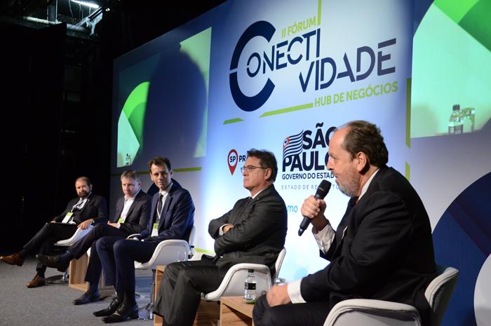 Eduardo Sanovicz durante painel no Fórum Conectividade