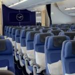 O avião tem capacidade para 293 pessoas