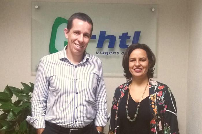 Flávio Louro, Diretor Geral da E-HTL e Silvia Russo, gerente de Inteligência de Produtos da E-HTL