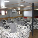 O centro de convenções da embarcação tem capacidade para até 100 pessoas