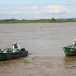 Os botes são utilizados para se locomover para os passeios fora do barco