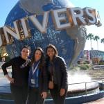 Jacqueline Miranda, da Copa Airlines, entre  Juliana Mesanelli e Alessandra Santos, da Universal